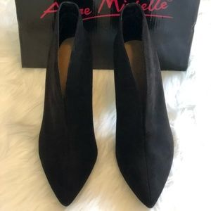 Anne Michelle Black Suede Heeled Booties